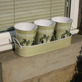 Blackberry Design Metal Plant Pots with Tray (Triple Pack)