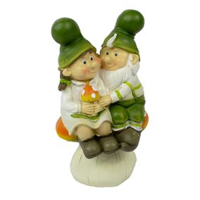 Cuddly Gnome Couple on Toadstool