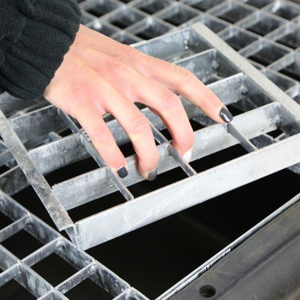 Medium Rectangular Galvanised Steel Water Feature Grid 71.5cm x 41cm