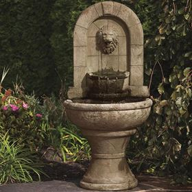 Lion Finial Garden Fountain