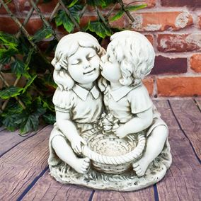 Classic Kissing Children Bird Feeder