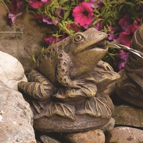 Frog On Leaves Plumbed Cast Stone Pond Spitter