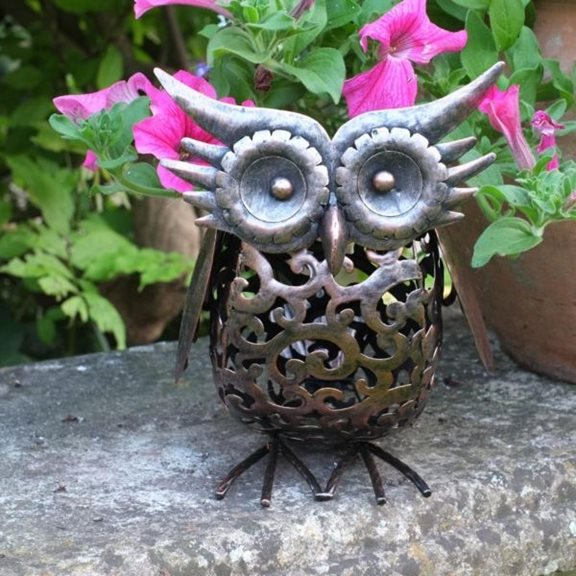 additional image for Metal Scroll Owl Solar Light