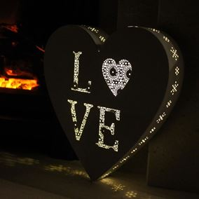 Love Heart Pre Lit Parisian Wall Art with Memory Timer