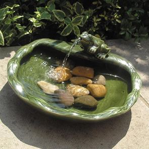 Smart Solar Solar Green Glazed Frog Water Feature