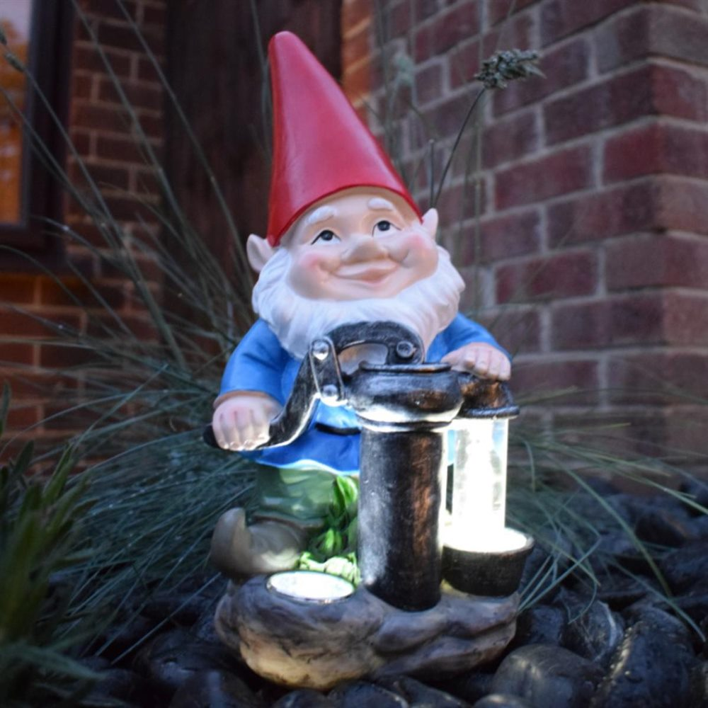 Solar Powered Gnome With Pump Novelty Garden Light